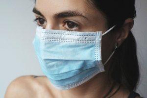 sexe et coronavirus : faut-il porter le masque pendant l'acte ?